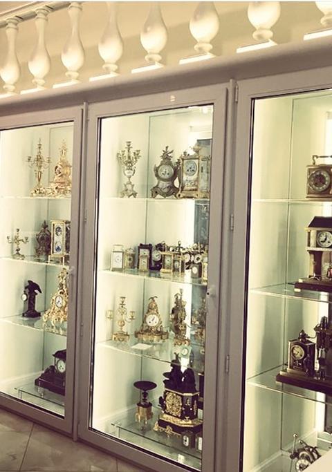 Музей галерея антикварных часов